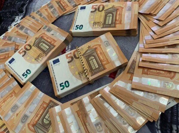 €1000